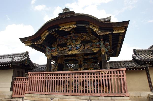 Porte du temple Nishi Hongan-ji, Kyoto