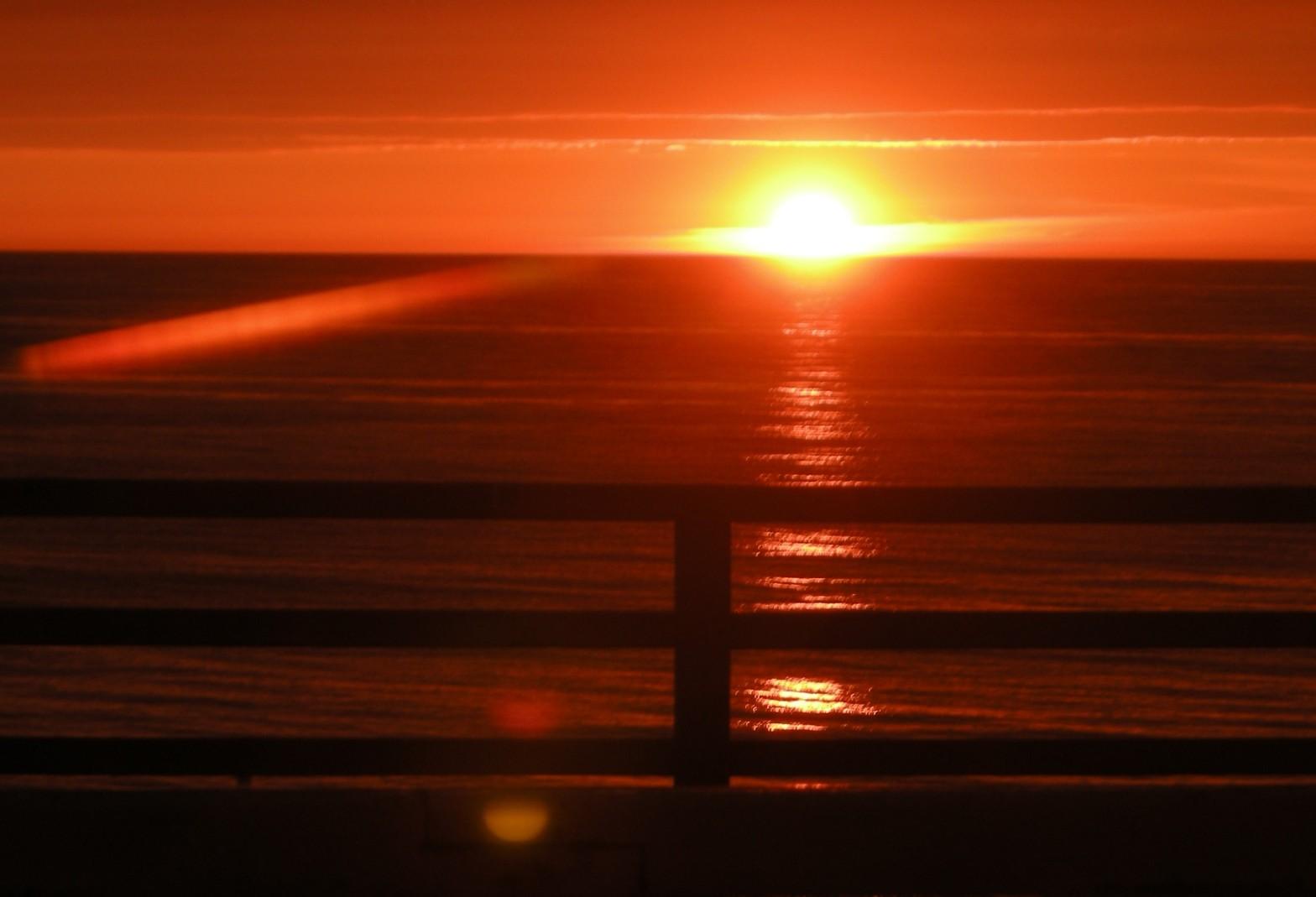 Soleil couchant sur Etretat