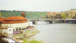 Musée Kafka vu du pont Charles
