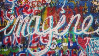 """Imagine"" sur le John Lennon Wall"