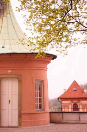 Aux abords du château de Prague