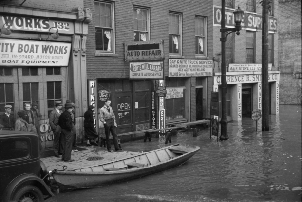 1936_Ohio_River_flood_-_Louisville,_Kentucky